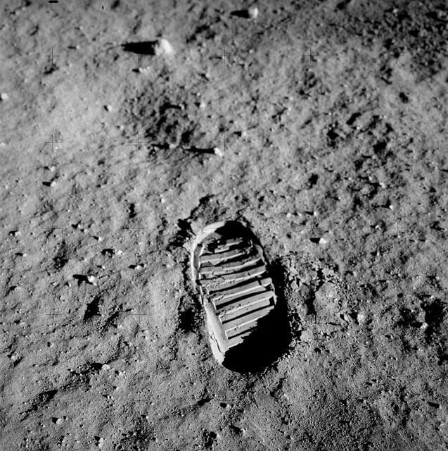 Imagens das pegadas do homem na Lua em 20 de Julho de 1969.
